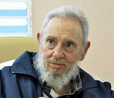 Fidel Castro rinde tributo a Vilma Espín en escuela habanera. Foto: Estudios Revolución
