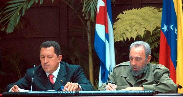 Los Comandantes Fidel Castro y Hugo Chávez, fundaron este bloque de concertación política