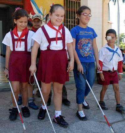 Cubans Teach their Blind and Deaf Children First Aid Techniques