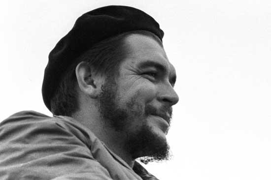 Che Guevara: Tenemos que oponernos a los intentos imperialistas de aislarnos