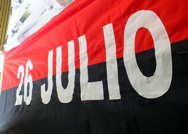 Bandera del Movimiento 26 de Julio en Cuba. Foto Abel Rojas