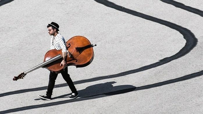 Adam Ben Ezra Trio: el contrabajo pasa al primer plano