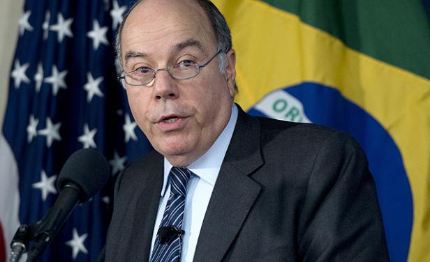Brasil celebra el Año Nuevo mientras su Ministro de Exteriores habla en Líbano