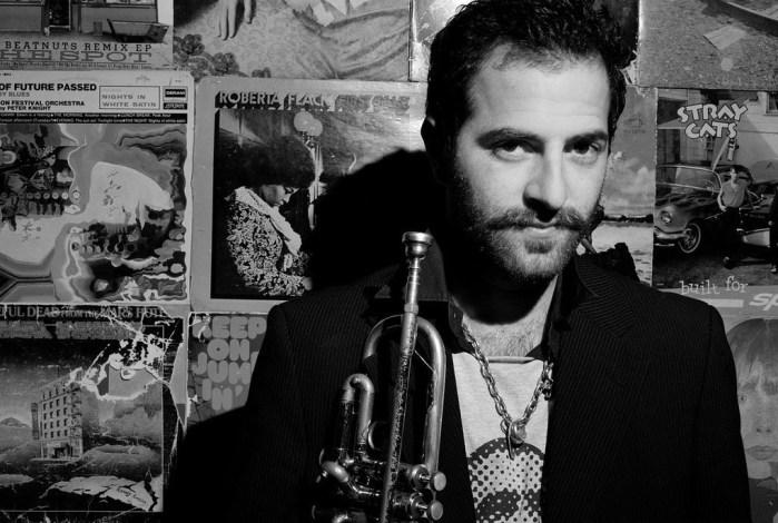"""""""Into the Silence"""", lo último del trompetista Avishai Cohen"""