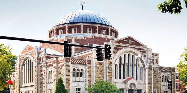 El Holocausto en la Boston University, una sinagoga abierta y un café israelí muy solicitado