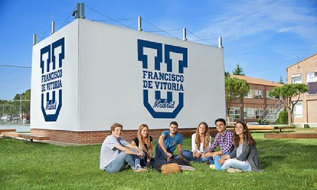 Una estudiante con mucha iniciativa de conocer a los judíos