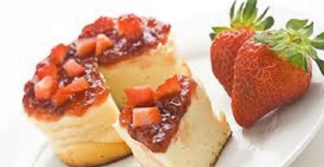 Recetas lácteas para Shavuot: torta de queso y macedonia de leche