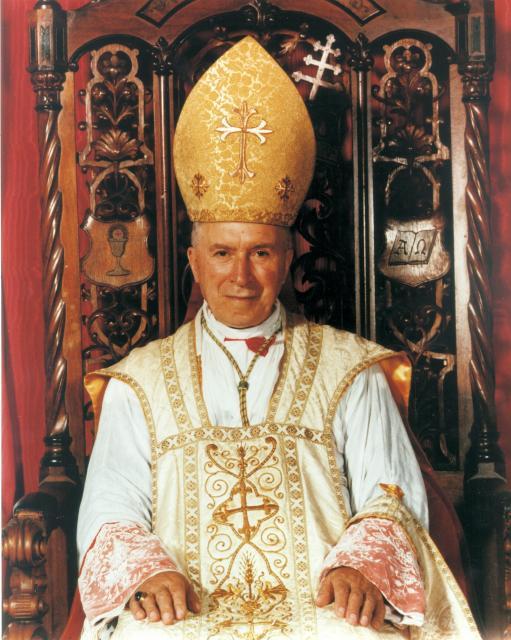 """Mons. Fellay: """"Francesco ha letto due volte la biografia di Lefebvre, gli è piaciuta"""""""