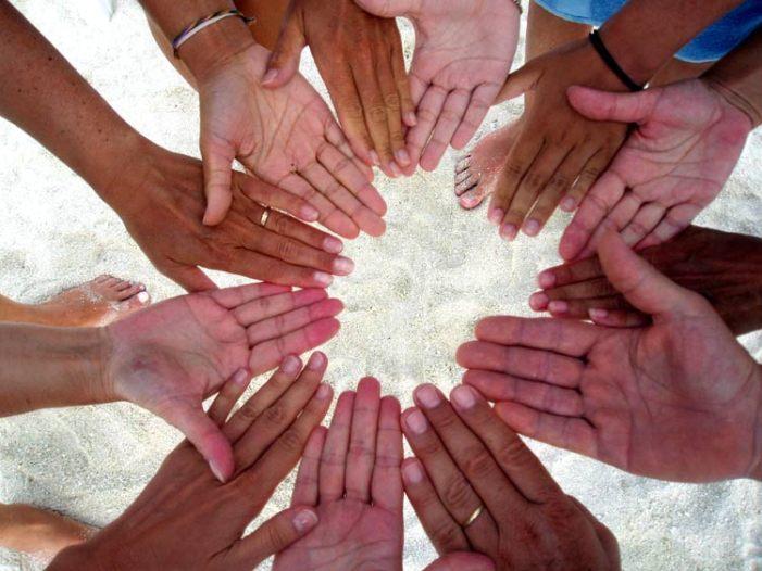 La Comunione sulla mano: da profanazione ad eccezione, da eccezione a regola