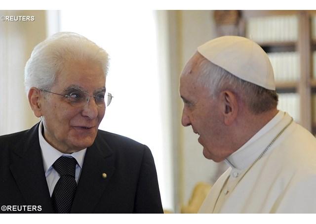 """Il """"cattolico"""" Sergio Mattarella circondato da massoni e mafiosi"""