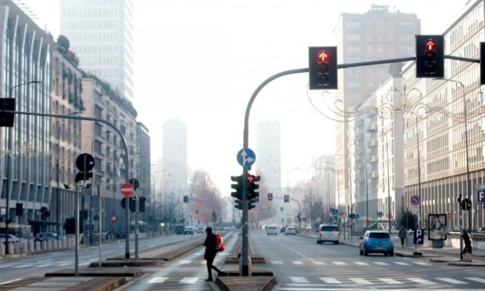 Smog, la vera emergenza sono politici e vescovi