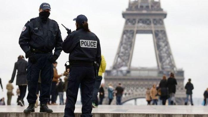 """""""Dittatura"""" degli immigrati, in Francia si ribella la polizia"""