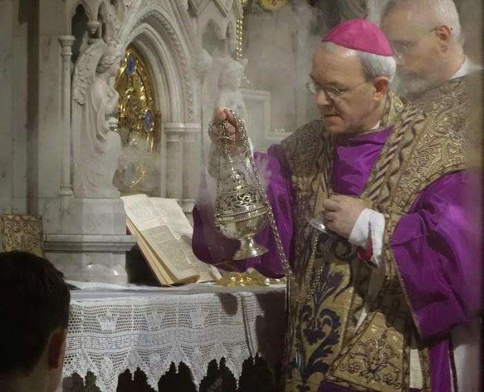 [VIDEO] Mons. Schneider auspica riconoscimento FSSPX e incoraggia critica di Amoris Laetitia