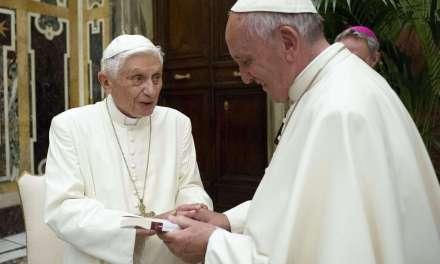 Francesco o Benedetto: chi è il Vero Papa?