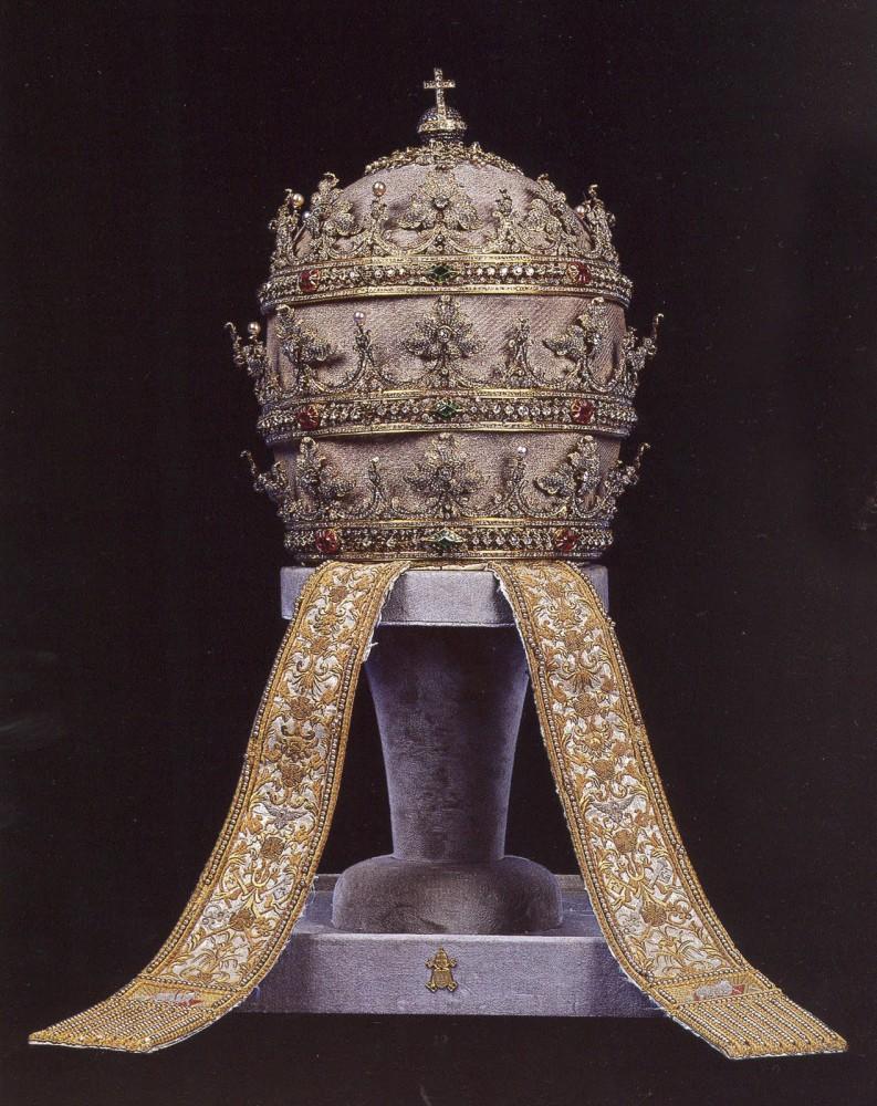 Tiara-Isabel-II-793x1000
