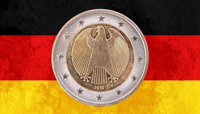 """Trump: l'euro è un """"marco camuffato"""""""
