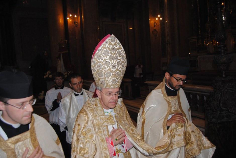 Mons. Athanasius Schneider