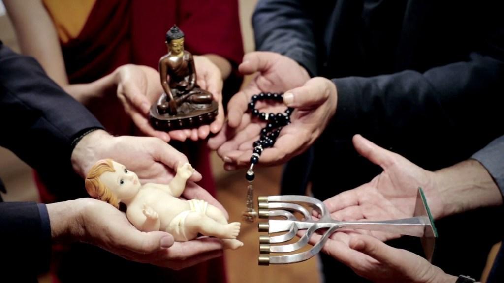 """Immagine tratta da uno dei video """"The Pope's video"""", diffusi nel 2016 per dare spazio alle sconclusionate intenzioni di preghiera made in Vaticano."""