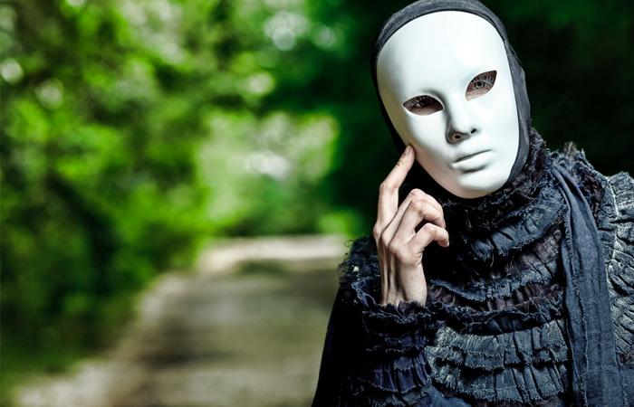 person_mask_creepy