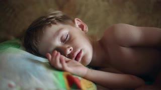 Mio figlio come Alfie: dissero che doveva morire, invece…