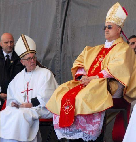Quello che non si dice sulle dichiarazioni-bomba di Mons. Viganò e sulle 'dimissioni di Bergoglio'