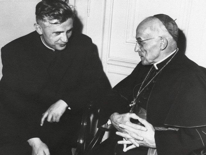 """Per il prof. Ratzinger la nascita di Gesù, Figlio di Dio e Redentore del mondo, era un """"mito""""?"""
