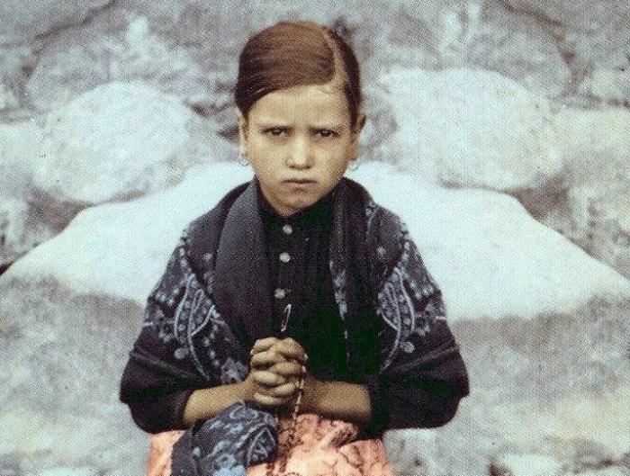 [DIFUNDE TU FE CATOLICA] JACINTA MARTO, la niña vidente de Fátima: alma víctima por los pecadores