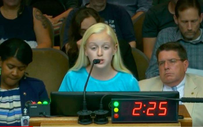 Aborto come schiavitù, ragazza tredicenne spiazza il consiglio cittadino