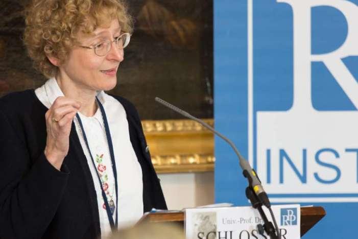 """Schlosser (vinse Premio Ratzinger) ufficialmente si ritira da Sinodo tedesco: """"Fisse su ordinazione donne"""""""