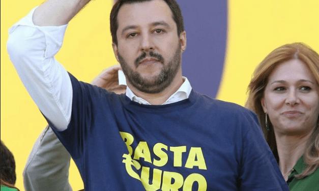 """Salvini: """"Non vogliamo l'uscita dall'Unione Europea. L'Euro è irreversibile"""""""