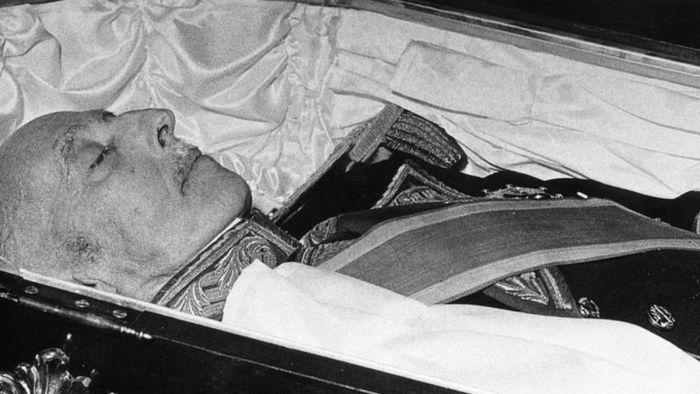 La profanazione delle tombe
