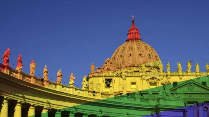 """""""Uomini e donne di Dio"""": l'omoeresia nella Chiesa raccontata da uno psicologo"""
