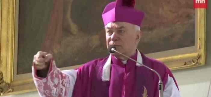 """Arcivescovo polacco definisce Bergoglio """"anticristo"""" ed """"eretico"""""""