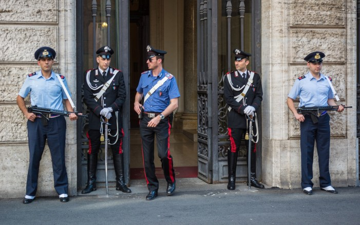 🔴 Giulianova: carabinieri fanno rapporto a Procura per atto cittadino di affidamento a Maria 🔴