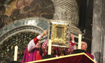 L'esposizione delle Reliquie della Passione in San Pietro