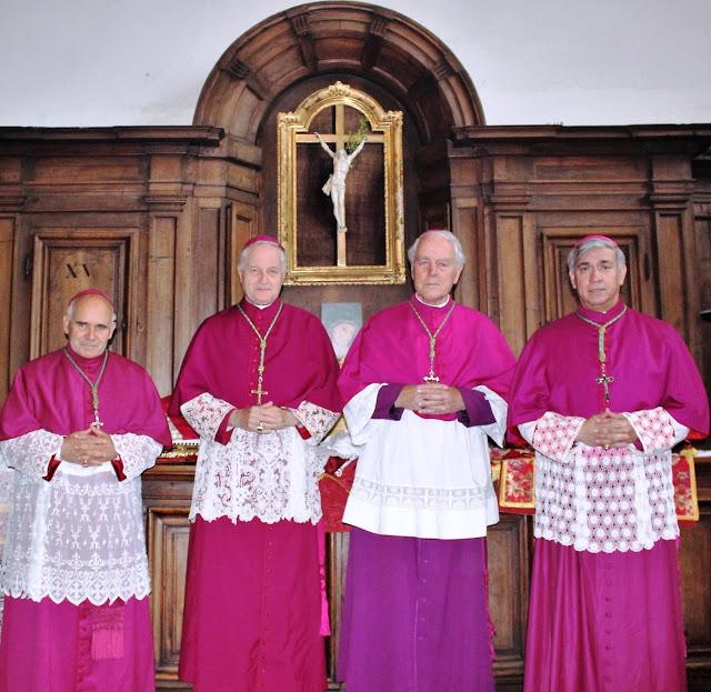 """I 4 vescovi della """"Resistenza"""" (guidata da Mons. Williamson) esprimono sostegno a Mons. Viganò"""