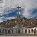 Valle de los Caídos. Sanchez potrebbe abbattere la Croce più grande del mondo ed espellere i Benedettini