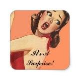 mooie_retro_dame_fun_surprise_party_seals_van_de_vierkante_stickers-rd7438daf2e654c24a596516fd25a9166_v9wf3_8byvr_324