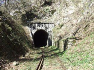 Intrare tunel