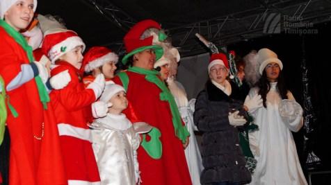 141221 _174546_Santa Klaus adus de Piti-Show la Timisoara_DSC00825