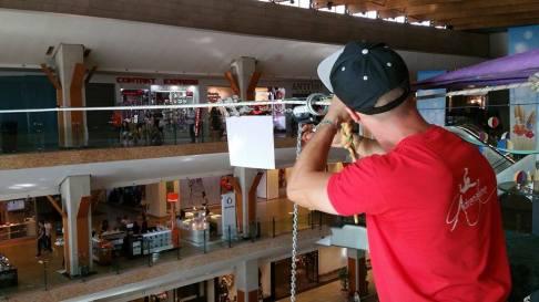 echilibristica la Iulius Mall highline Flaviu Cernescu si George Ciprian Lungu iulie 2015 (10)