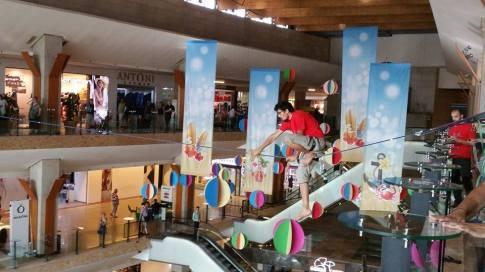 echilibristica la Iulius Mall highline Flaviu Cernescu si George Ciprian Lungu iulie 2015 (13)