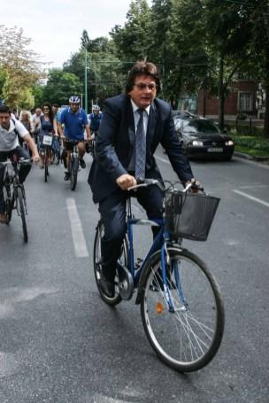 Nicolae Robu pe bicicleta (7)