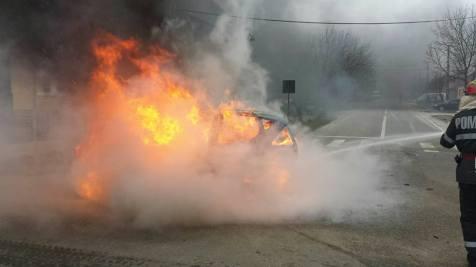 incendiu masina chisoda 17.01 (3)