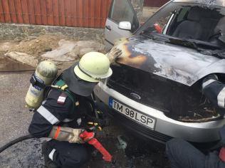 incendiu masina ghiroda (3)
