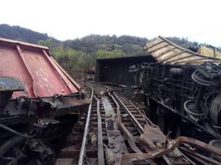tren deraiat petrosani 3