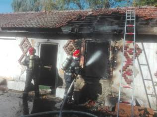 incendiu cladire dezafectata 4