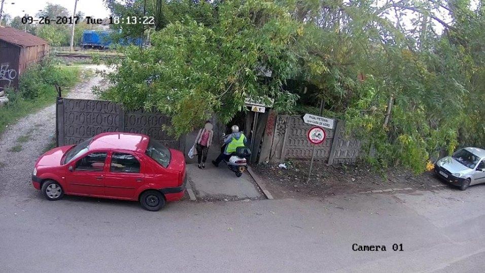 moped motor pasaj pietonal (3)