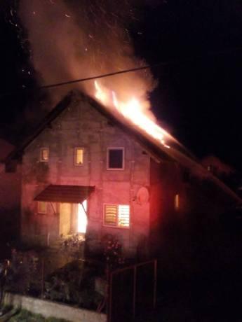 incendiu Dudestii Noi (2)