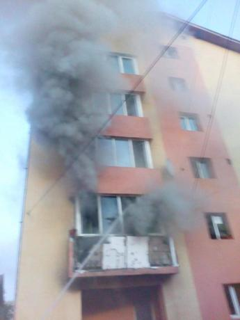 incendiu bloc complexul studentesc (2)